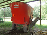 2011 KUHN 5143 VERTICAL MAXX MIXER,  RIGHT SIDE DISCHARGE, SINGLE AXLE, DIG