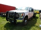 2018 FORD F350 FLATBED PICKUP TRUCK, 1,776 ACTUAL MILES  4X4, CREW CAB, 6.7