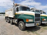 1998 MACK CH613 DUMPSTER 484,533 MILES--- 27,073 HRS  MACK E7-330/350 DIESE