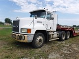 1994 MACK CH613 TRUCK TRACTOR, 212,466 MILES-- 29,999 HRS  DAY CAB, E7-400