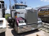 1997 KENWORTH W900 HAUL TRUCK, 143,750+ mi on meter,  TRI-AXLE, DAY CAB, CA