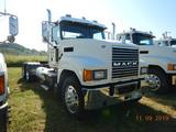 2012 MACK CHU 613 TRUCK TRACTOR, 187,260 MILES  DAY CAB, MACK MP8 DIESEL, 1