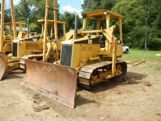 CATERPILLAR D4C SIDE BOOM PIPE LAYER,  OPEN ROPS, 6-WAY BLADE, PIPE LAYER B