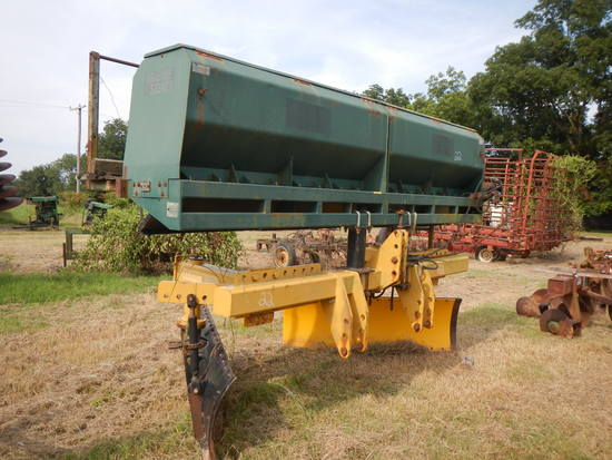 MARLISS SUKUP 12' LEVEE SEEDER  WITH NMC-NAMMCO LEVEE SQUEEZER NHDLB72L SN: