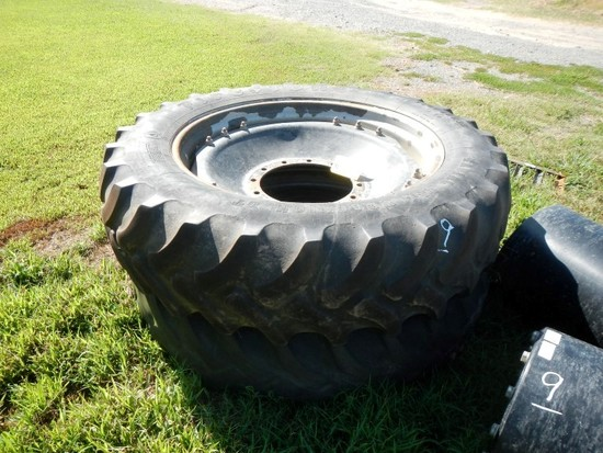 CASE/IH (2) 380/80R38 TIRES ON RIMS AND FRONT DUAL SPACERS