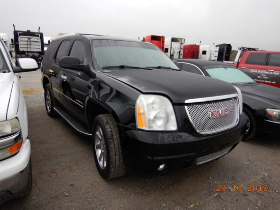 2007 GMC YUKON DENALI SUV, 189,741+ mi,  ALL WHEEL DRIVE, V8 GAS, AUTOMATIC