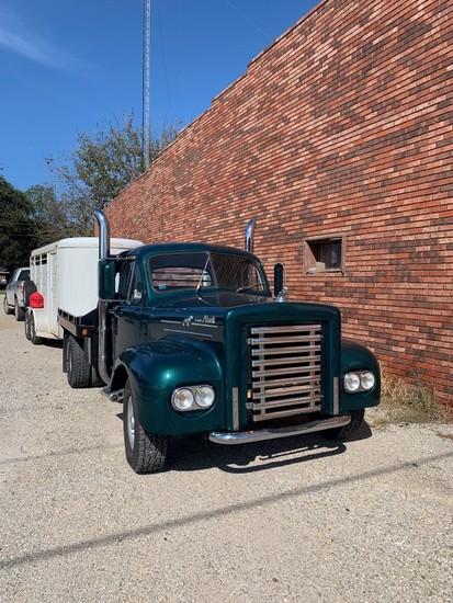 1965 MACK B422 FLATBED TRUCK