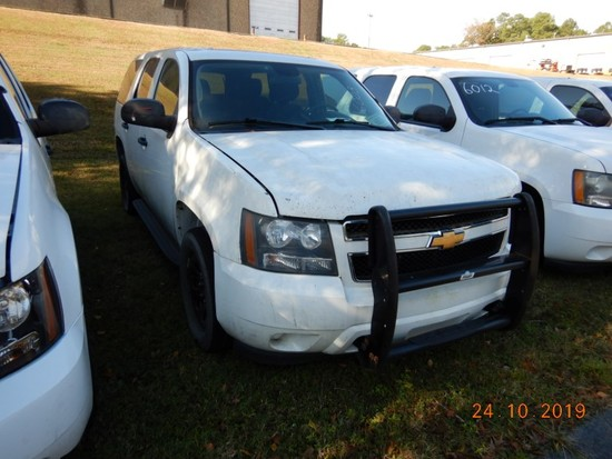 2011 CHEVROLET TAHOE SUV, 133,543 mi,  V8 GAS, AUTOMATIC, PS, AC S# 1GNLC2E