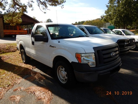 2010 FORD F150XL PICKUP TRUCK, 71K + mi,  V8 GAS, AUTOMATIC, PS, AC, S# 1FT