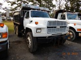 1989 FORD FT900 DUMP TRUCK, 544,034 miles  FORD DIESEL, 9 SPEED, 12' BED, T