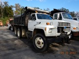 1992 FORD FT900 DUMP TRUCK, 383,992 miles  FORD DIESEL, 8LL TRANSMISSION, 1