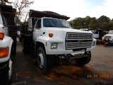 1988 FORD F700 DUMP TRUCK, 268,220 miles  FORD DIESEL, 5+2 SPEED, 9' BED, S