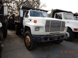 1990 FORD F800 DUMP TRUCK, 309,997 miles  FORD DIESEL, 5+2 SPEED, 9' BED, S