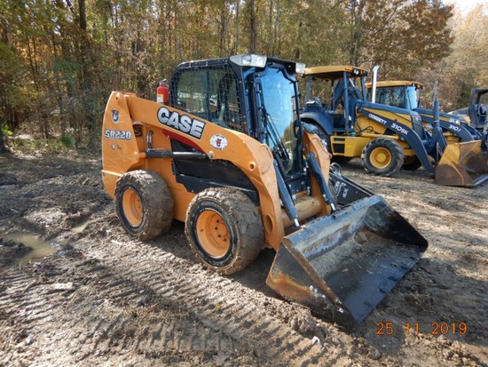 CASE SR220 SKID STEER LOADER, 1827 HRS  ENCLOSED CAB, RUBBER TIRE, FORKS, D