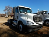 2007 FREIGHTLINER COLUMBIA TRUCK TRACTOR, 984,234 MILES  DAY CAB, DETROIT S