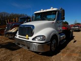 2007 FREIGHTLINER COLUMBIA TRUCK TRACTOR, 935K+ MILES  DAY CAB, DETROIT 60