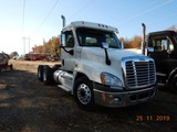 2012 FREIGHTLINER CASCADIA 125 TRUCK TRACTOR, 501K+ MILES  DAY CAB, DETROIT