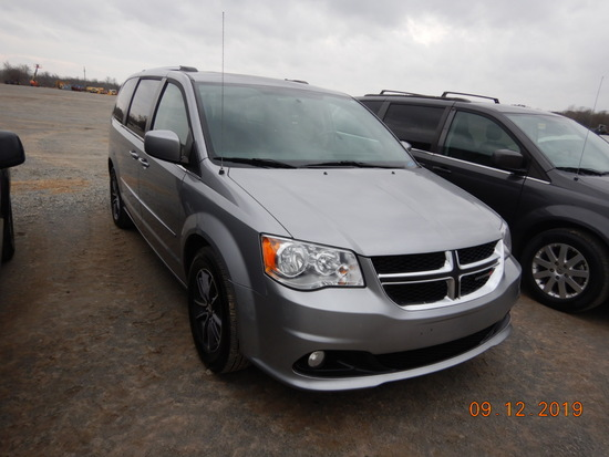2017 DODGE CARAVAN VAN, 87k+ miles  V6 GAS, AT, PS, AC S# 73445
