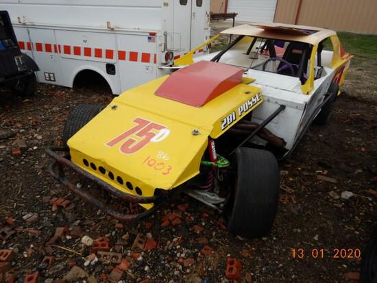 LATE MODEL DIRT TRACK RACE CAR, NO TITLE