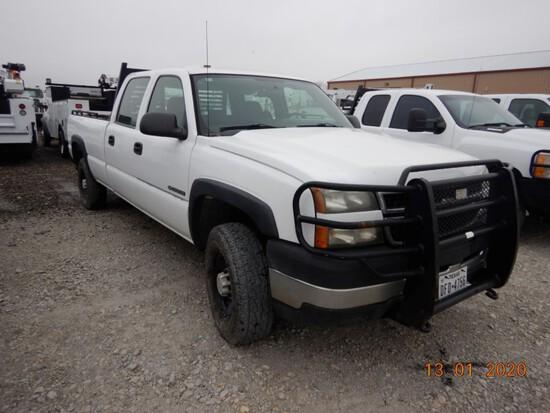 2007 CHEVROLET 2500 TRUCK, 213,828+ mi,  CREW CAB, V8 GAS, AUTOMATIC S# 104