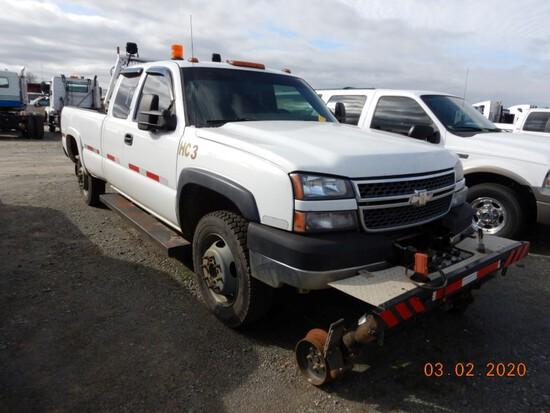 2005 CHEVROLET 3500 RAIL TRUCK, 360,000+ mi,  HI-RAIL GEAR, EXTENDED CAB, 4