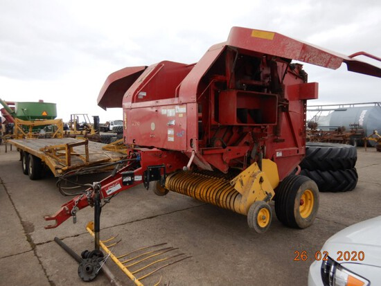 NEW HOLLAND BR740A ROUND HAY BAILER,  WITH DRIVESHAFT, NO MONITOR S# Y6N018