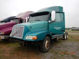 1999 VOLVO TRUCK TRACTOR,  ***NO ENGINE OR TRANSMISSION***, TWIN SCREW ON A