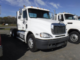 2006 FREIGHTLINER COLUMBIA TRUCK TRACTOR, 417,954 MILES  DAY CAB, DETROIT 1