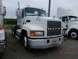 2002 MACK CHU613 TRUCK TRACTOR, 724,372 MILES  DAY CAB, MACK E7-427 DIESEL,