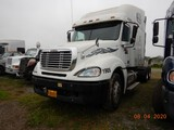 2007 FREEIGHTLINER COLUMBIA TRUCK TRACTOR,  CONDO SLEEPER, DETROIT 14L DIES