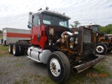 1989 INTERNATIONAL 9300 TRUCK TRACTOR,  **NON-RUNNER**, DAY CAB, CATERPILLA