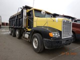 1996 FREIGHTLINER FLD120 DUMP TRUCK,  TRI-AXLE, CUMMINS N14, 10 SPEED, TWIN