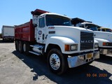 1997 MACK CH613 DUMP TRUCK, 470k+ miles on meter  MACK E7 DIESEL, 10 SPEED,