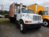 1997 INTERNATIONAL 4900 GARBAGE TRUCK, 70,442 miles  IH DT466 DIESEL, 6 SPE