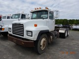 1999 MACK R688 TRUCK TRACTOR,  DAY CAB, MACK 350 DIESEL, 8 SPEED, TWIN SCRE
