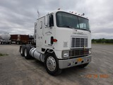 1986 INTERNATIONAL COE TRUCK TRACTOR,  SLEEPER, CUMMINS 350 DIESEL, 9 SPEED