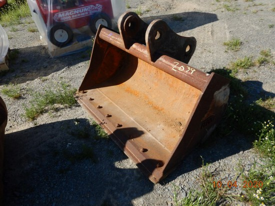 """FELCO 48"""" CLEAN OUT BUCKET,  FITS MINI EXCAVATOR"""