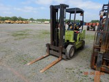 CLARK GPX20 FORKLIFT, 7013 hrs  3 STAGE MAST, PROPANE ENGINE, SOLID TIRES S