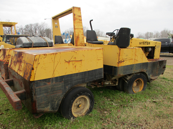 HYSTER C530A ROLLER,  PNEUMATIC WHEEL, 4 CYLINDER DIESEL S# A91C3712G C# S-