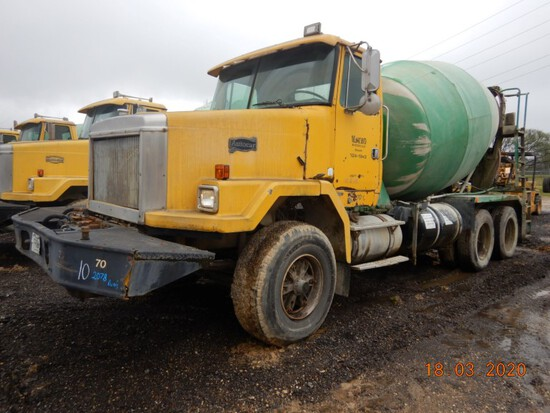 1996 VOLVO MIXER TRUCK,  CATERPILLAR DIESEL, 9-SPEED, TWIN SCREW, SPRING RI