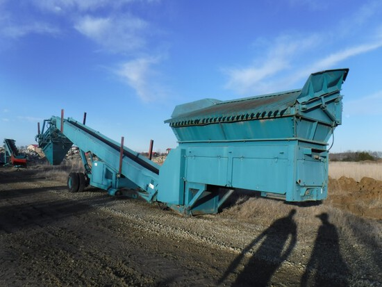 2001 Powerscreen Commander 408 Portable Screening Plant, 6,536 Hours Showin
