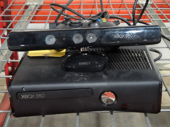 X-BOX 360 WITH KINECT SENSOR AND 1 CONTROLLER-