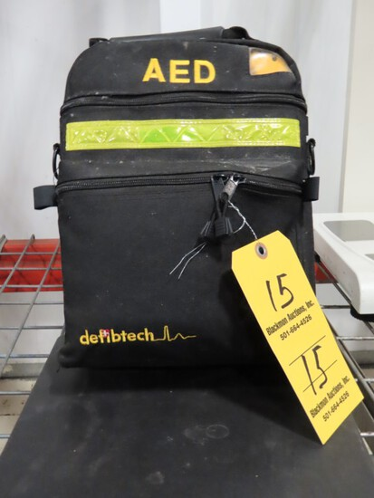 LIFELINE AED DEFIBTECH DEFIBRILLATOR-  IN WORKING CONDITION, APPEARS TO HAV