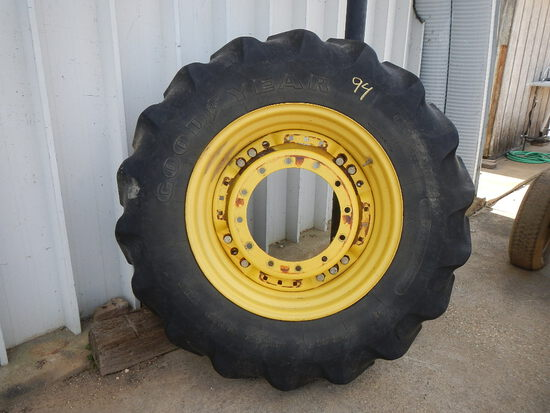 420/90R30 TRACTOR TIRE