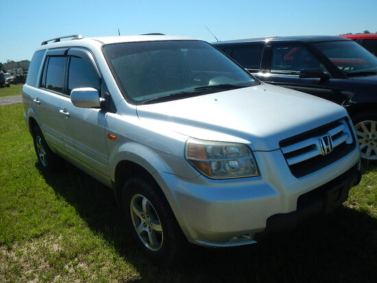 2007 HONDA PILOT SUV,  4-DOOR, 6-CYL GAS, AUTOMATIC, PS, AC (NEEDS REPAIRS)
