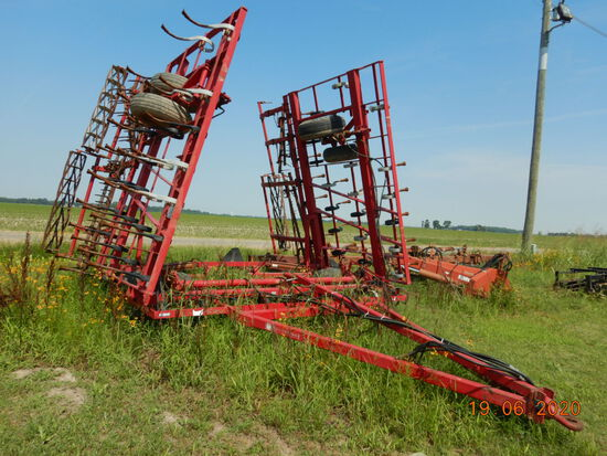 TRIPLE K,  35', WALKING TANDEMS, MOUNTED HARROWS WITH BASKETS, HYDRAULIC FO