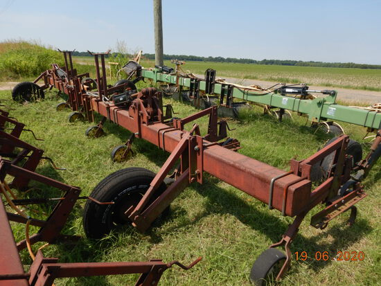 DICKEYVATOR 3 POINT 8 ROW HIPPER,  HYDRAULIC FOLD, LOCATION: ALTHEIME