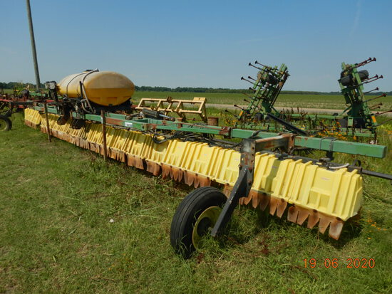 REDBALL 420 BROADCAST SPRAYER,  3 POINT, 40', 300 GALLON TANK, HYDRAULIC FO