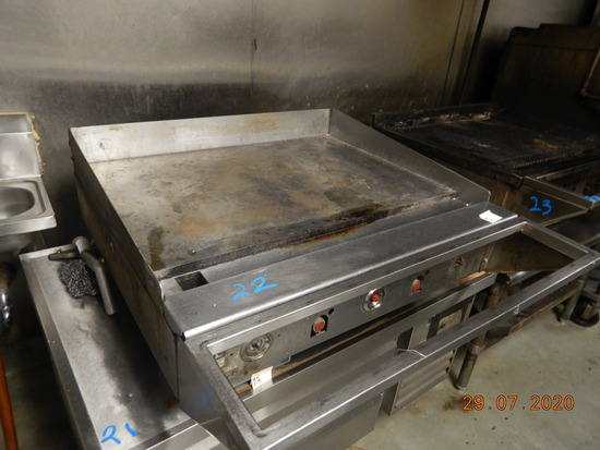WOLF FLAT IRON GRIDDLE,  GAS