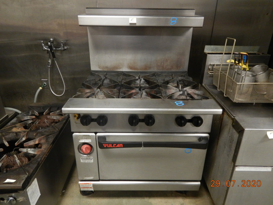 VULCAN STOVE  WITH (6) GAS BURNERS